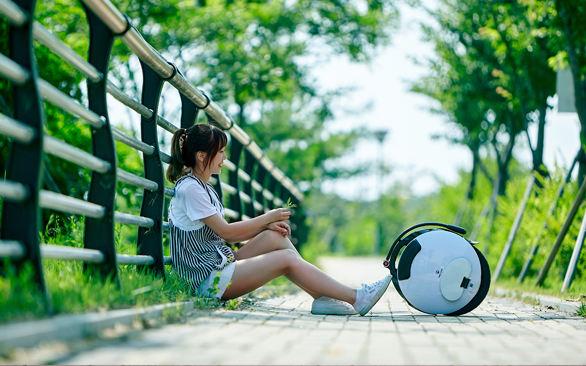 singlewheelselfbalancingelectricunicycle-single wheel self balancing electric unicycle -- INMOTION V5