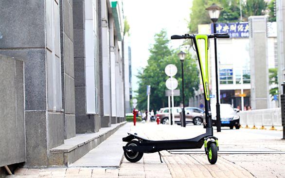lightweightelectrickickscooter-lightweight electric kick scooter -- INMOTION L6