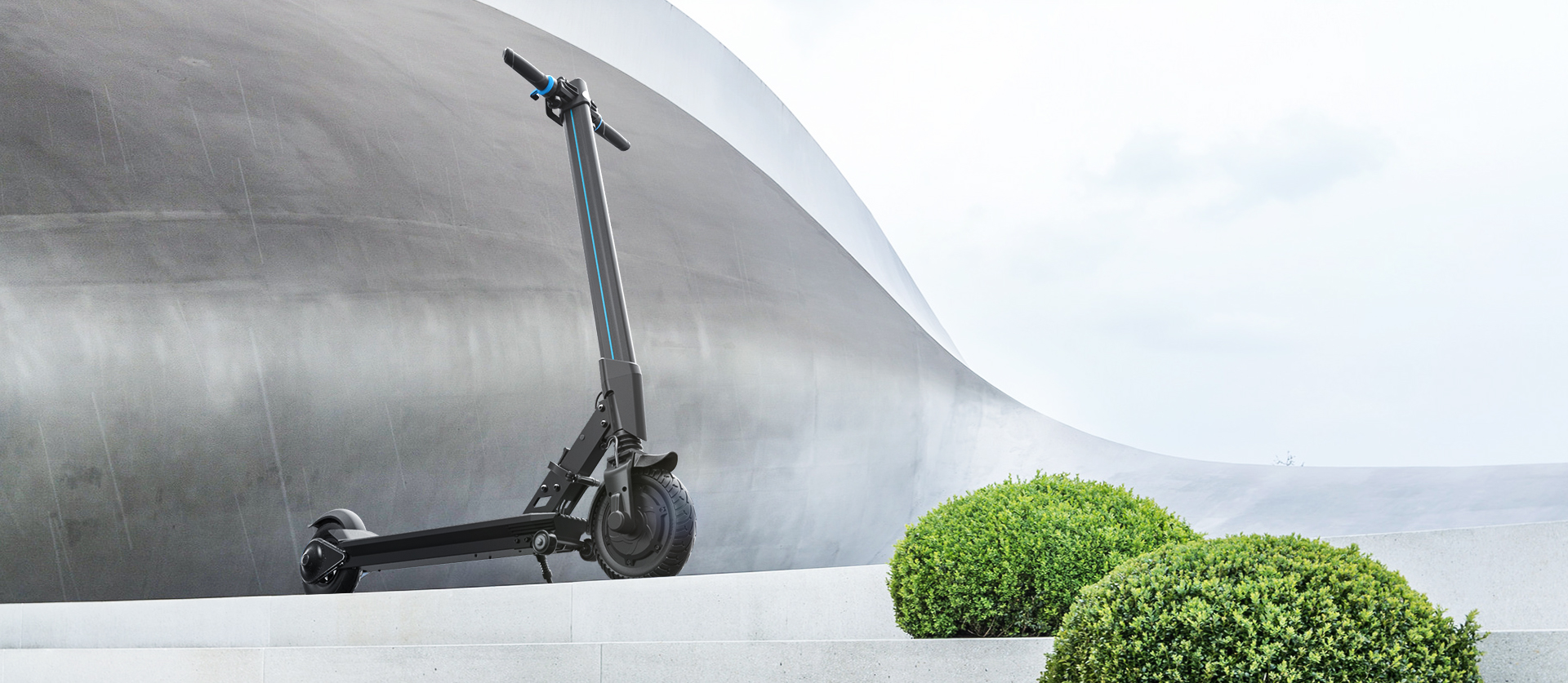 INMOTION E-Scooter L8/L8F integrates scientific technologies and vogue. The entire body is composed of concise clear lines and eye-catching symbols, impressing you at first glance.