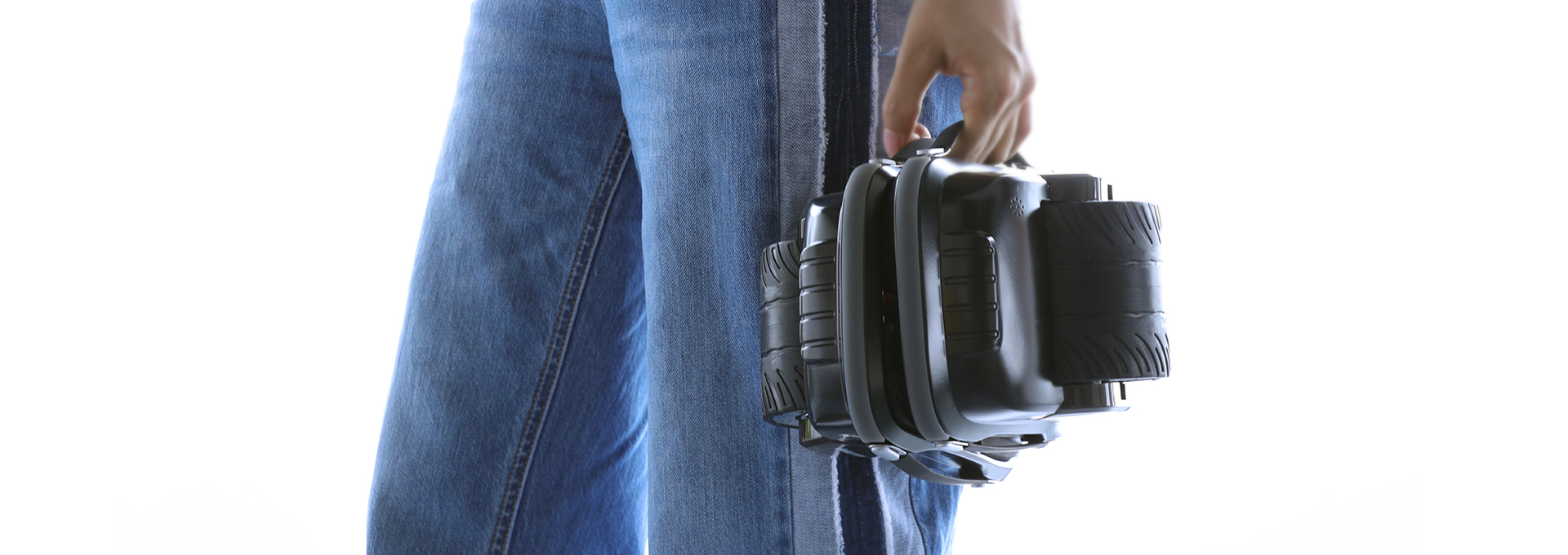 Only 3.3kg per Unit, Portable Belts Design, Free Free to Take X1 to Anywhere.